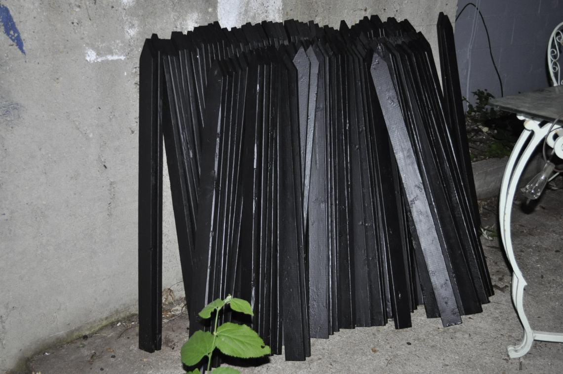 blackpickets.jpg