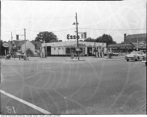 2011326-Gas-Esso-1958.jpg